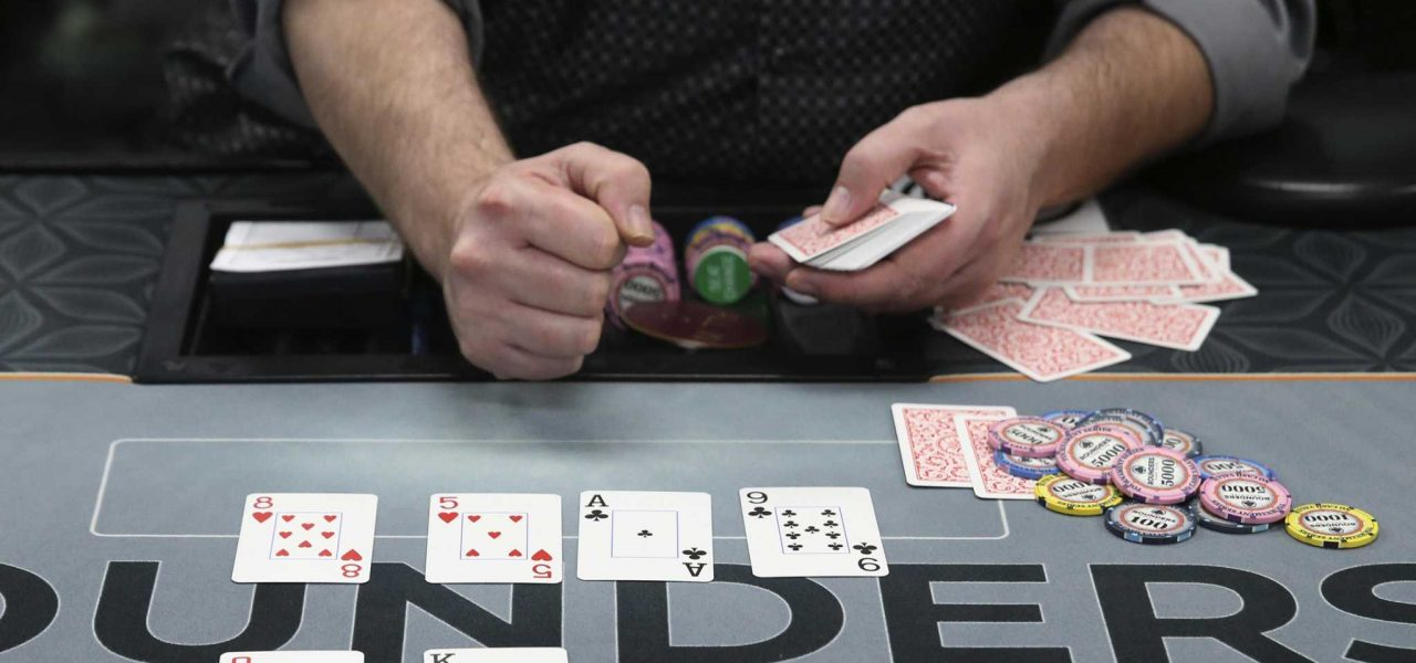 Cara bermain game poker